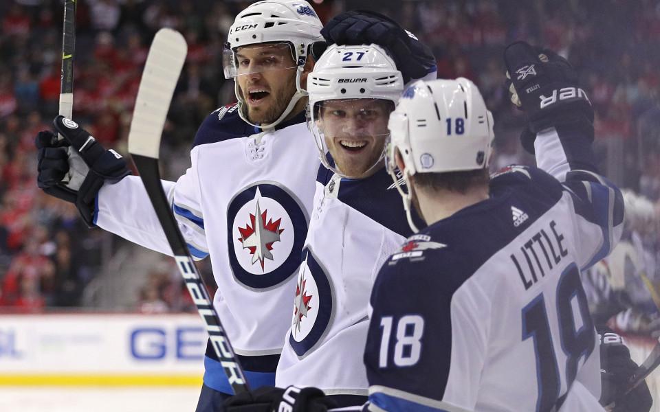 Уинипег се класира за плейофите в НХЛ, резултати