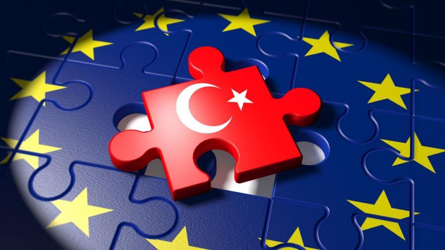 ЕС иска Ердоган да отложи изборите, той: Ще правя митинг в Европа