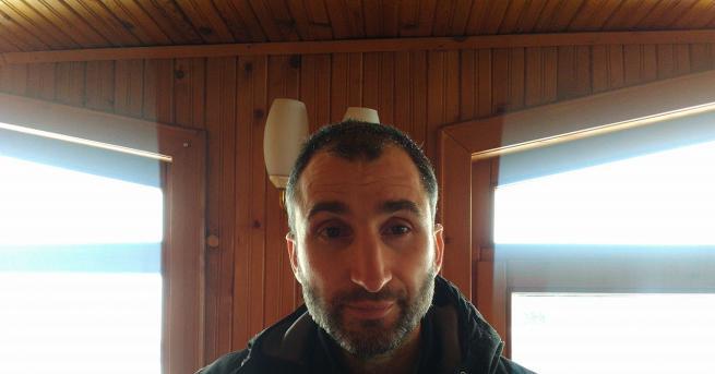 Собственикът на бедстващите коне в Осоговската планина Петър Пищалов от