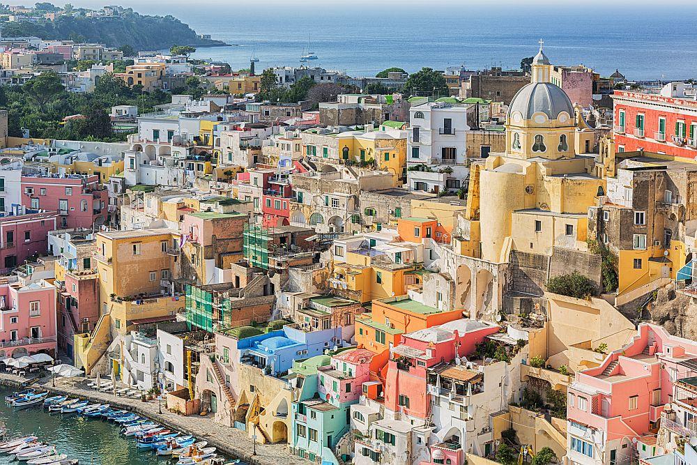 Прочида - остров и община в Южна Италия, провинция Неапол