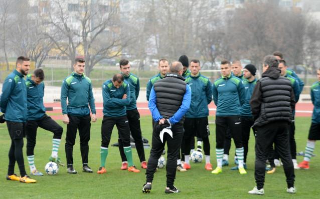 Двамата младежки национали Мартин Костадинов и Николай Минков подновиха тренировки