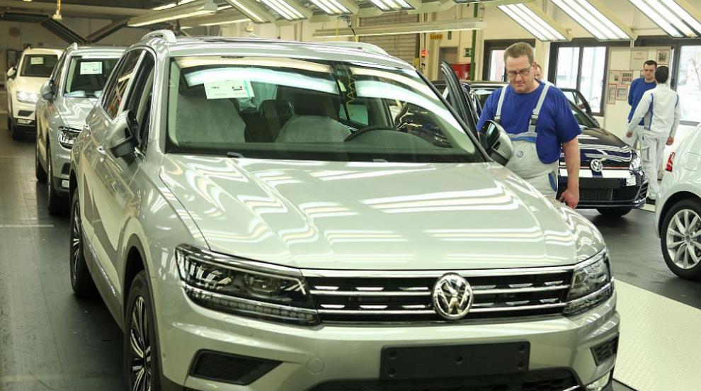 Караниколов: България не е отпаднала от състезанието за завода на Volkswagen