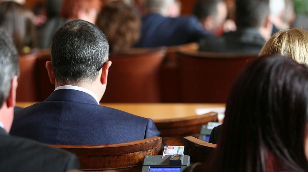 Очаква се парламентът да гласува промените в кабинета в четвъртък