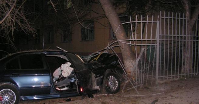 Трима младежи загинаха при два пътни инцидента през последното денонощие