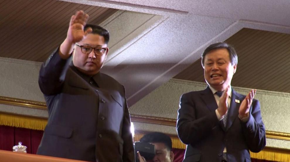 Ким Чен-ун присъства на концерт на южнокорейски музиканти (СНИМКИ)