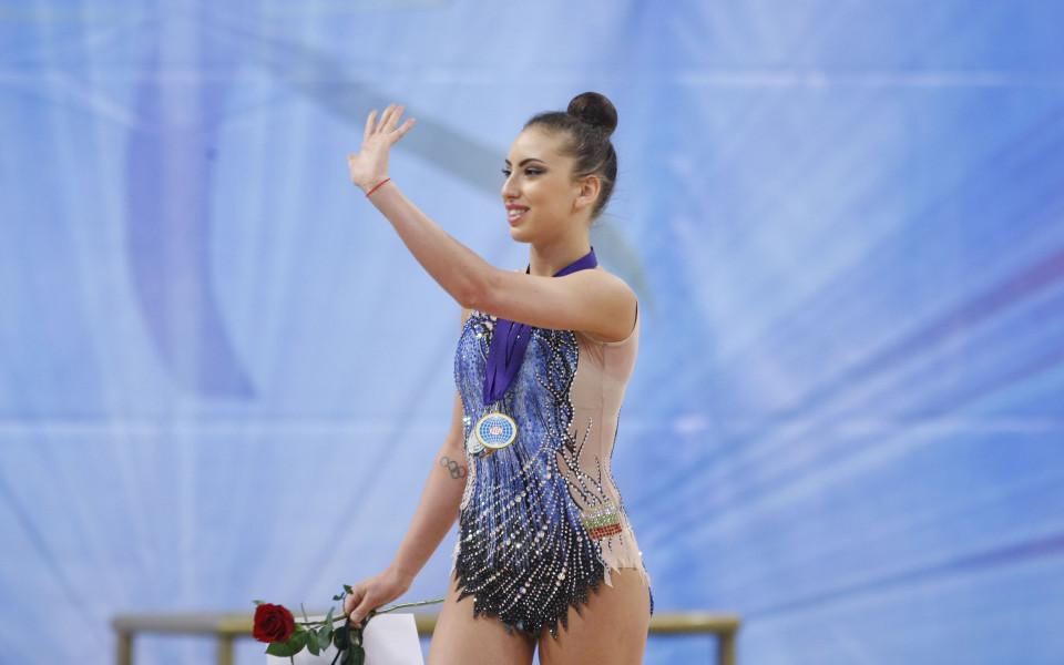 Тасева с два златни и два сребърни медала във финалите на Държавното