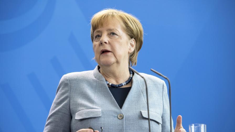 Меркел: Военният удар срещу Сирия беше необходим