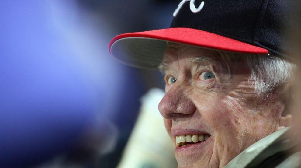 Джими Картър влиза в болница за мозъчна операция