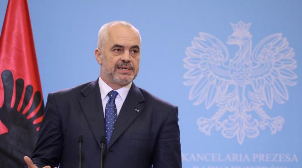 Опозицията в Албания иска Еди Рама да бъде съден, заради жертвите от...