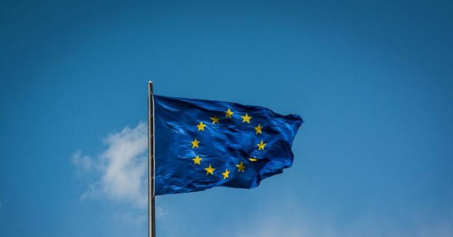 Председателят на Европейския съвет Доналд Туск призова Сърбия, да продължи