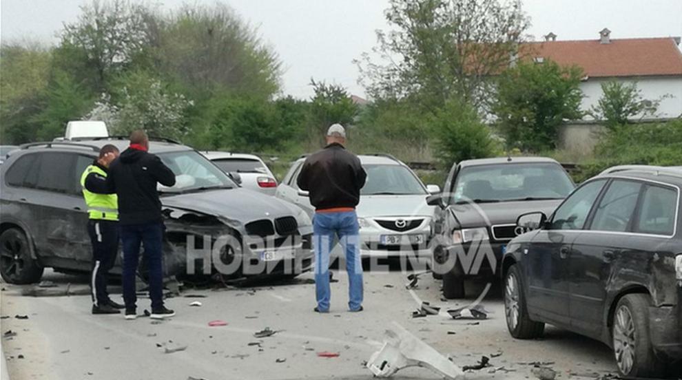 Шофьорка потроши паркирани коли в Пловдив (ВИДЕО)