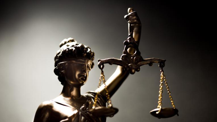 Днес празнуват всички юристи