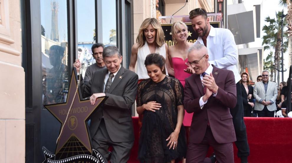 Ева Лонгория получи своя звезда на Алеята на славата (СНИМКИ)