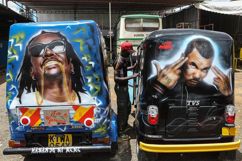 Мататуи шофьорите са известни, че предизвикват хаос по оживените улици на кенийската столица Найроби; нарушавайки повечето правила за трафик, особено по време на пиковия час, за да бъдат пред конкуренцията.