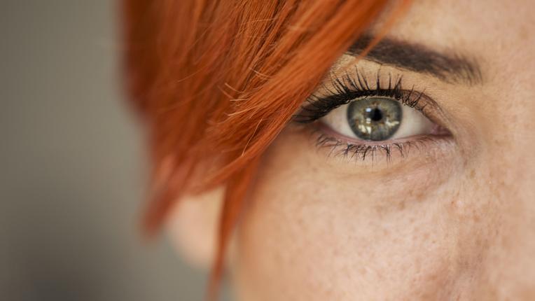 6 упражнения за облекчаване на уморени очи