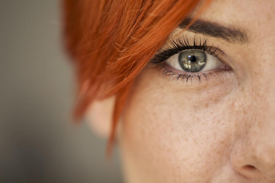 поглед очи