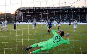 Аталанта срази последния в Серия А