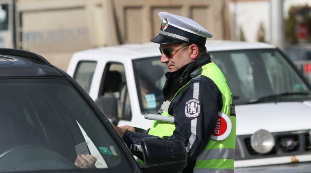 Идея: Полицаите да издават фишове и глоби с таблет директно на пътя