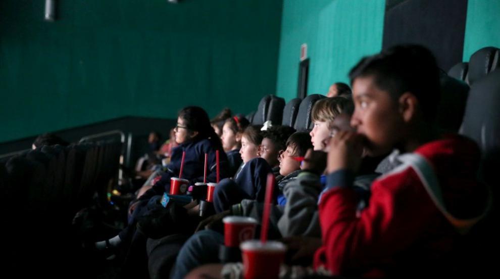 Революция: Саудитска Арабия откри киносалон (СНИМКИ/ВИДЕО)