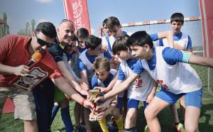 Скаути на професионален футболен клуб търсят новите си таланти на Купата на Coca-Cola