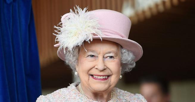 Днес кралица Елизабет Втора, която е най-дълго управлявалият монарх на
