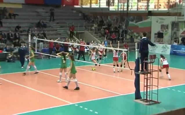 България загуби от Турция с 1:3 (21:25, 20:25, 25:21, 19:25)
