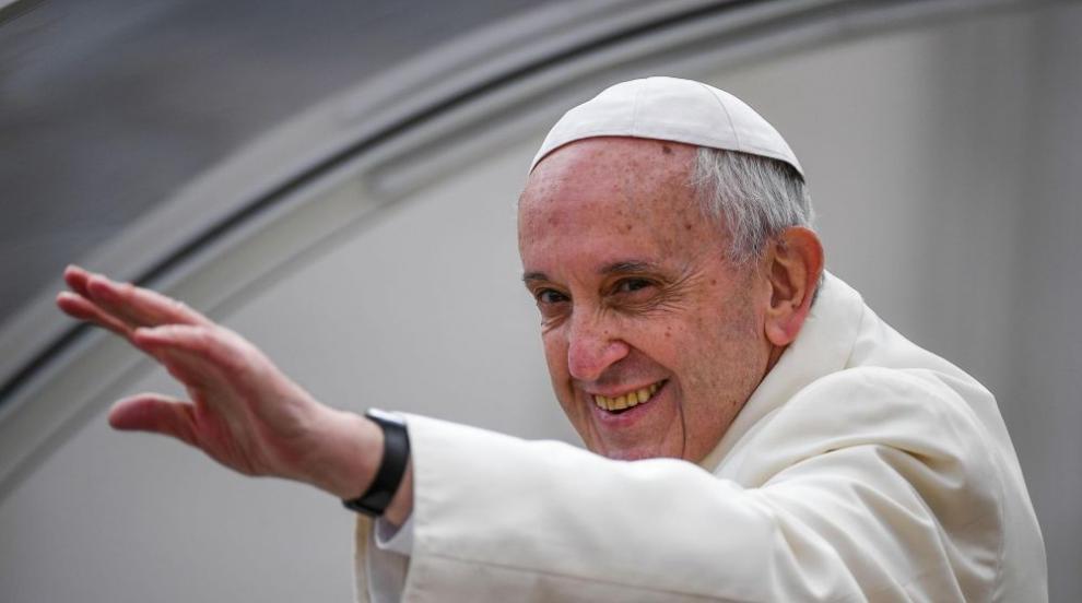 Папата с призив към страните да приемат бежанци