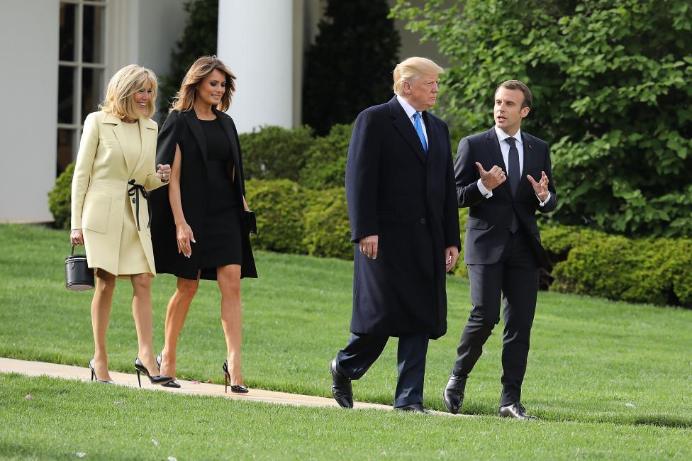 - Първите дами на САЩ и Франция демонстрираха стил със своите тоалети, по време на тридневно държавно посещение във Вашингтон на френския президент...