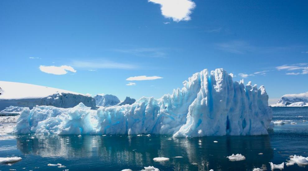 Промени на ветровете в Антарктида ускорили топенето на леда