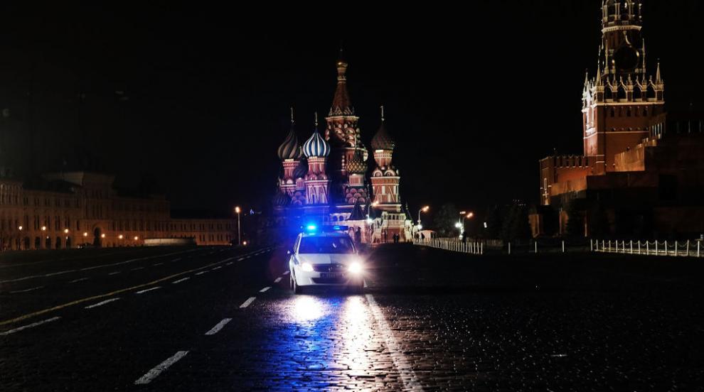 Мъж стреля по полицаи в центъра на Москва (ВИДЕО)