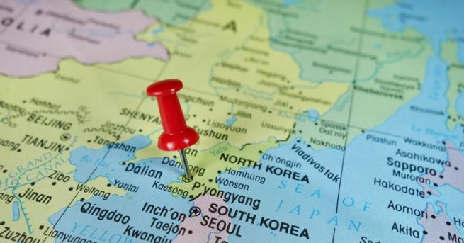 Южна Корея ще изпрати боен кораб и 300 бойци в