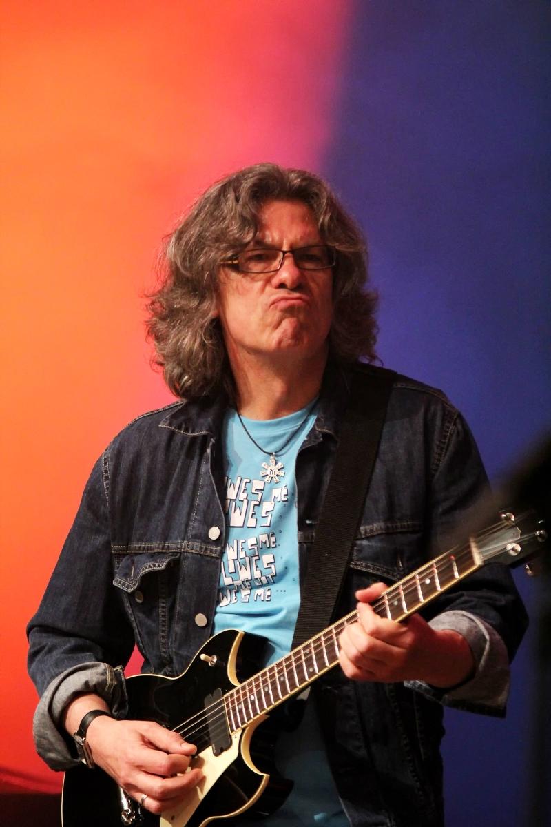 Иван Лечев - китара