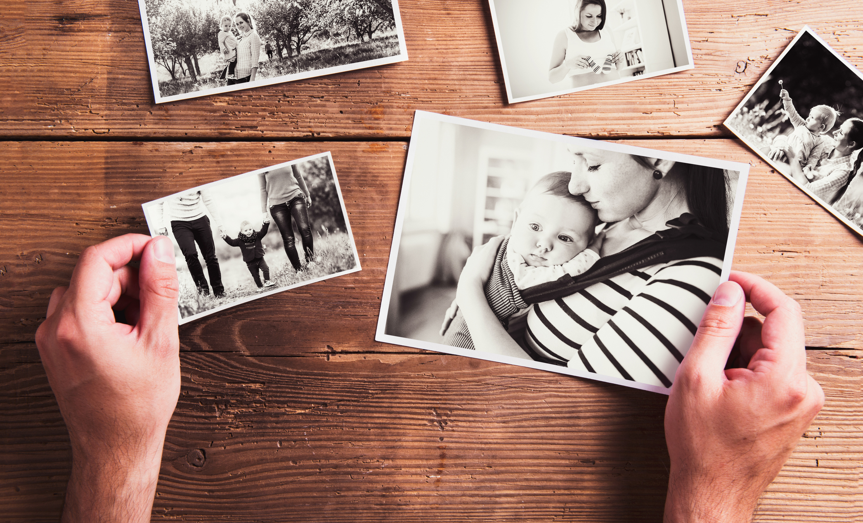 Снимки на приятели и членове на семейството.Университетът в Портсмут, Великобритания е установил, че семейните фотографии навяват позитивни спомени и спокойствие.