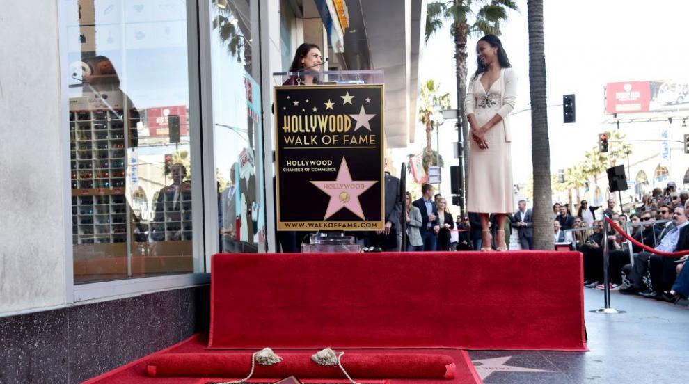 Актрисата Зоуи Салдана получи звезда на Алеята на славата