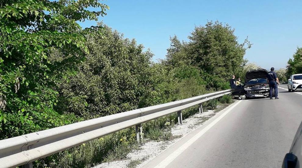 Шестима младежи катастрофираха с автомобил край Смядово