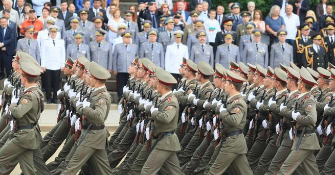 С военен парад беше отбелязан празникът на Българската армия С