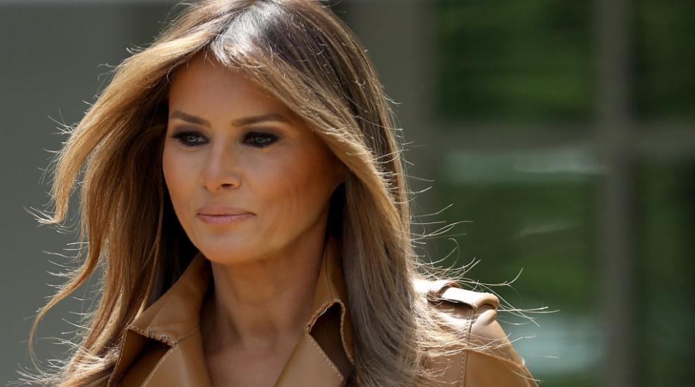 """Скандално видео с гола """"Мелания Тръмп"""" разгневи Белия дом (ВИДЕО)"""