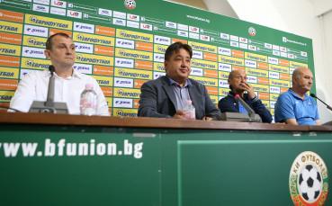 Караиванов: Имаме задания от УЕФА и определени срокове