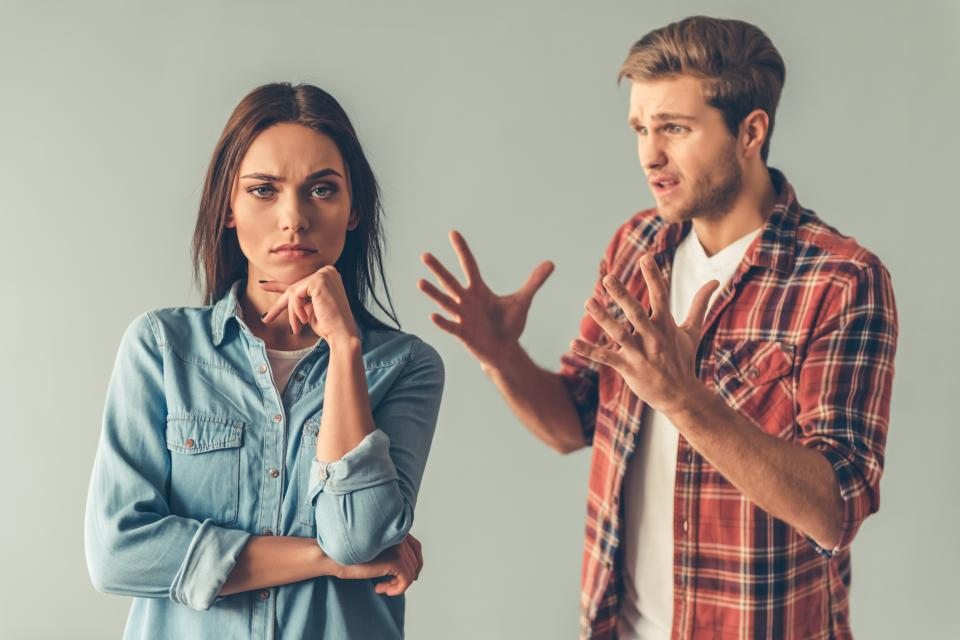 двойка раздяла скандал