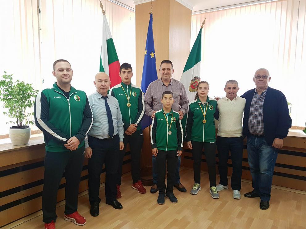 Млади разградски борци и треньорът им триумфираха на международен турнир в Испания