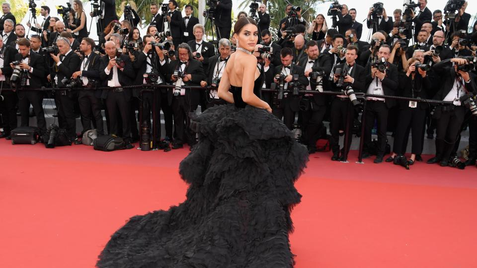 Камила Куельо и разкошната рокля за 1 милион долара покориха Кан