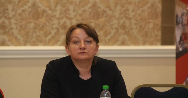 Социалният министър Деница Сачева проведе среща с ДПС в парламента,