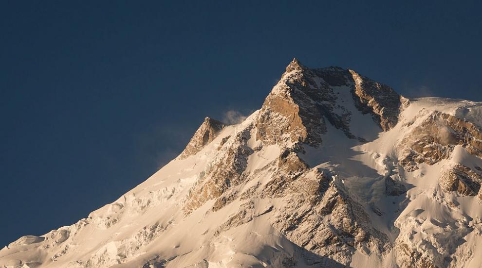 Българин изкачи втория по височина връх в света