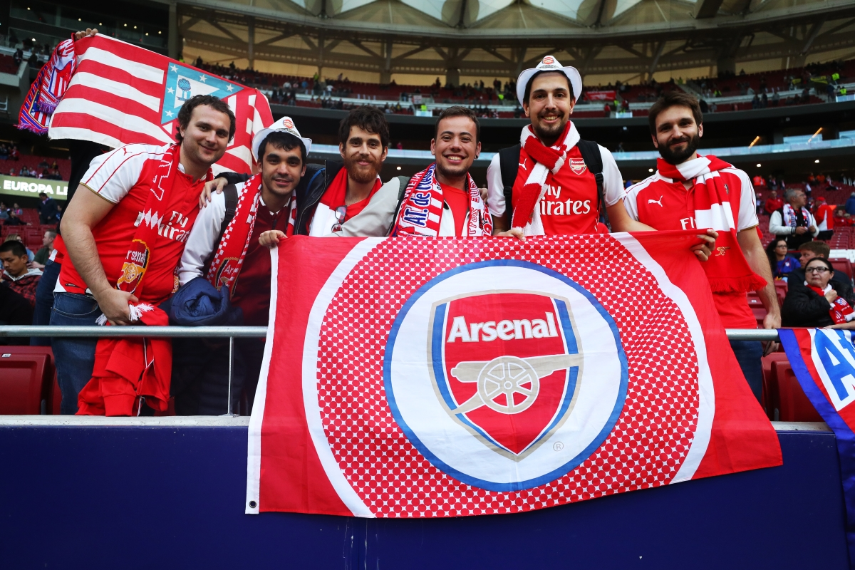 Бонус: какво е общото между тези симпатични запалянковци и Осама? Всички те са фенове на Арсенал.