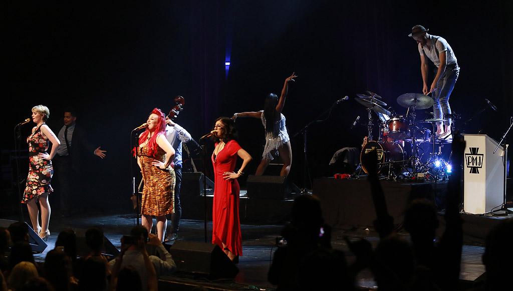 Ненадминатата ретро сензация Postmodern Jukebox на музикалния гений Скот Брадли за трети път в България. Формацията с нова доза суинг, джаз и кавъри на свеж ретро глас в зала 1 на НДК