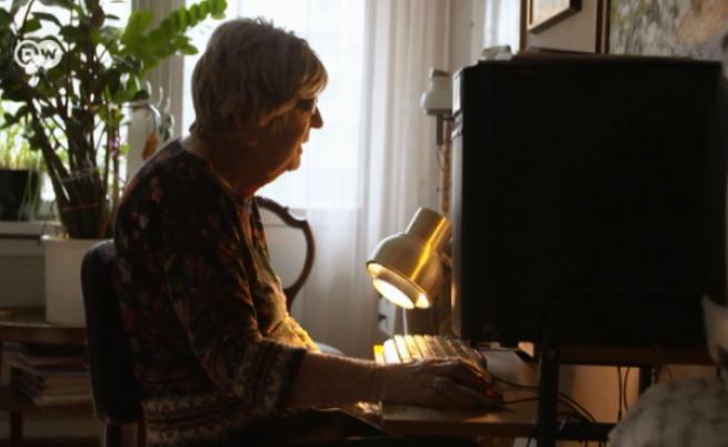 Тя е жена с принципи. И не от вчера. Все пак е на цели 105 години (ВИДЕО)