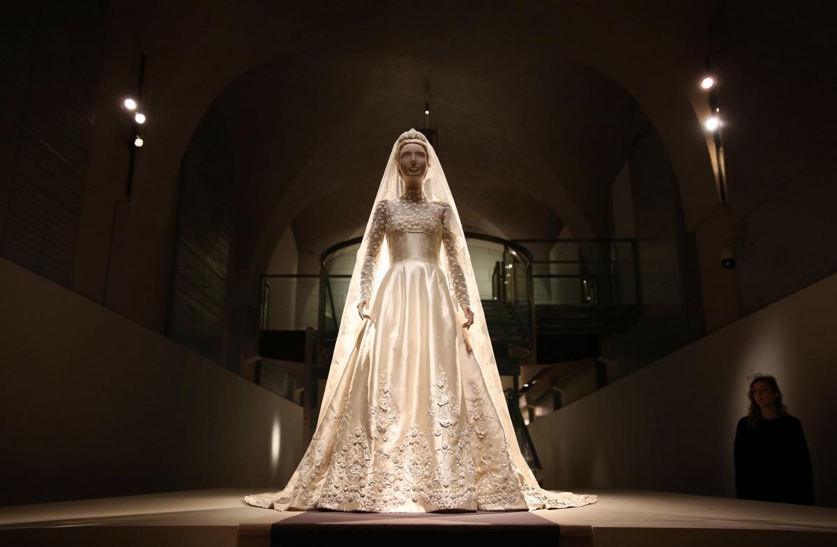 """Мари-Шантал се омъжва за гръцкия принц Павлос през 1995 г. с рокля на """"Валентино"""" за 515,270 хил. долара."""