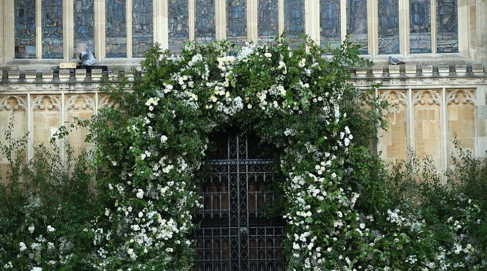 Любимите цветя на лейди Даяна украсиха параклиса за сватбата на Хари и...