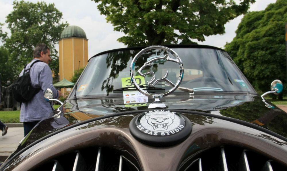 https://m.netinfo.bg/media/images/33324/33324729/orig-orig-retro-parad-avtomobili.jpg