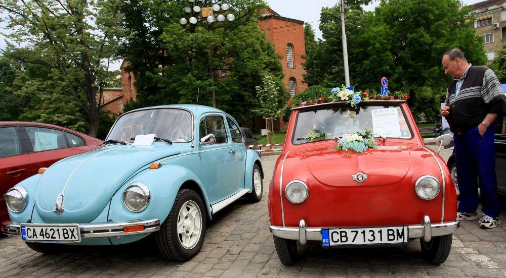 https://m.netinfo.bg/media/images/33325/33325189/orig-orig-retro-parad-avtomobili.jpg